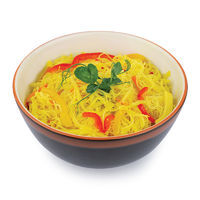 Rice noodles with vegetables Singapore style